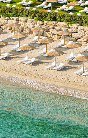 05-sandy-beach-in-grecotel-margo-bay-and-club-turquoise-resort-halkidiki-greece