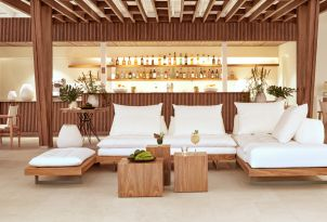 23-club-turquoise-all-day-restaurant-and-bar-in-margo-bay-resort