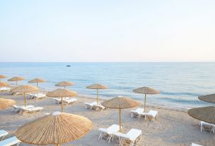 32-margo-bay-resort-summer-holidays-in-crystal-waters-of-halkidiki